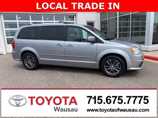 2017 Dodge Grand Caravan Sxt Wausau Wi Area Toyota Dealer Serving Wausau Wi New And Used Toyota Dealership Serving Merrill Mosinee Marshfield Wi 2c4rdgcg1hr848015